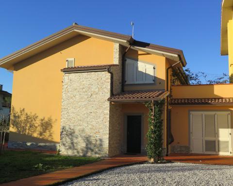 Neubauvilla in Italien